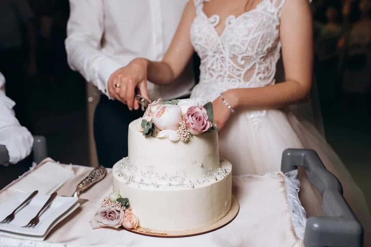 Cele mai frumoase 10 idei pentru torturi de nunta